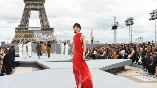Paris Fashion Week 2021 dazzles visitors with glamour