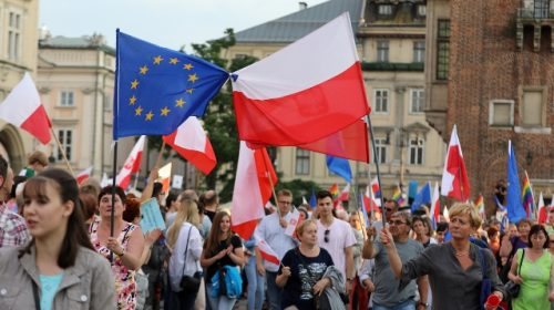 Mass protests in Poland amid EU exit fears